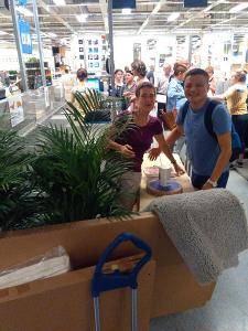 An der Kasse bei Ikea in Kaarst