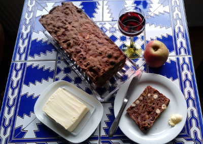 Apple bread – a recipe from the island Föhr, Germany