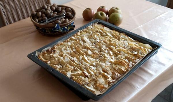 Apfelkuchen mit Walnüssen vom Blech