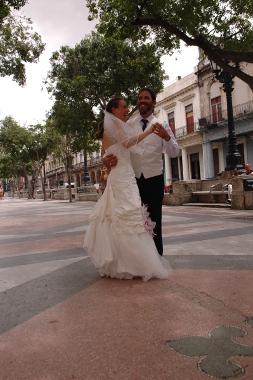 Brauttanz auf dem Prado, Havanna, Kuba