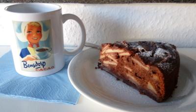 Retro-Tasse Bensdorp, Stück feinherber Apfelkuchen