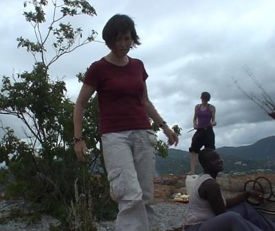 Xenia und Anika auf dem Berg Mkimbizi