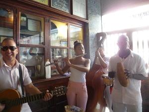 Musikgruppe in der La Bodeguita del Medio,Havanna, Kuba