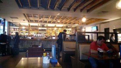 Pub im Flughafen Cork, Irland