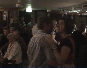 """Tanz und Pub Music im Pub """"The Black Sheep"""" in Schull, Irland"""