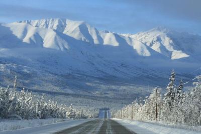 Straße im Winter im Yukon