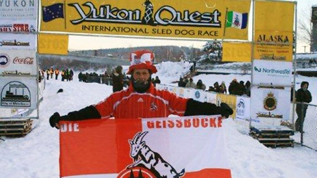 Sui Kings als Fan des 1. FC Köln beim Yukon Quest