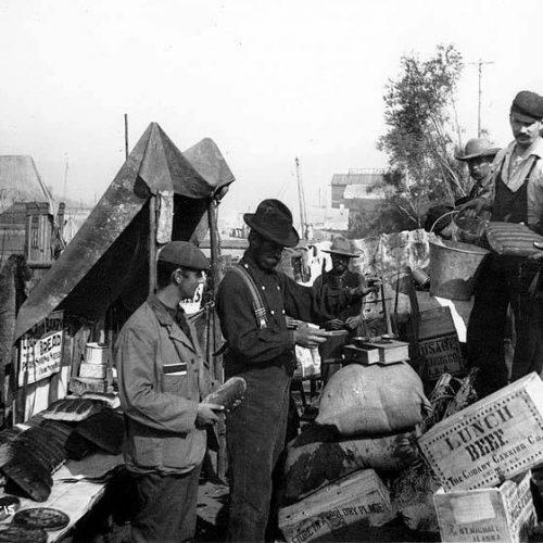 1898, Enttäuschte Goldgräber verkaufen ihre Ausrüstung