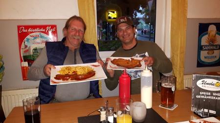Sui Kings und Hugh Neff in Köln