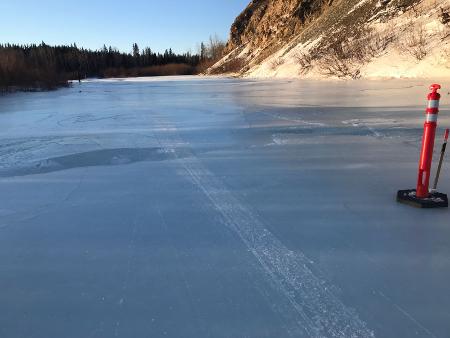 Vereister Yukon River