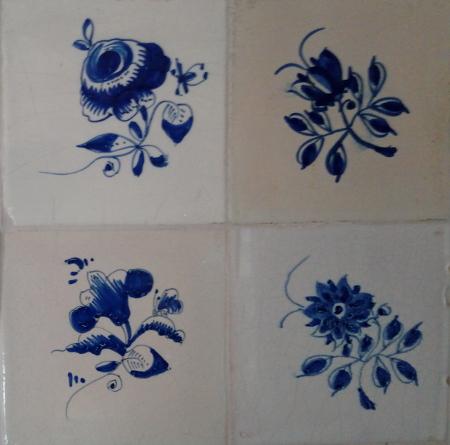 Friesische Fliesen; Blumen als Motiv